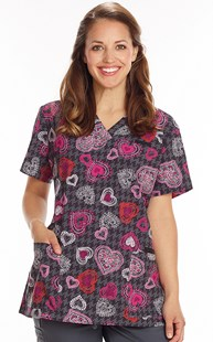Fashion_Prints | White Cross | Print Scrub Top Heart to Heart