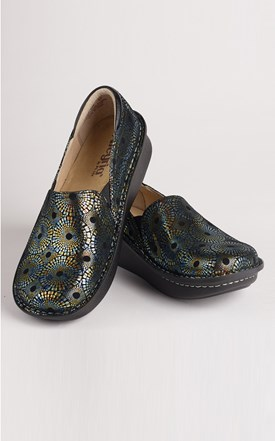 Alegria Doctor Spin Clogs Image