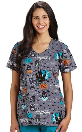 Soft V-Neck Two Pocket Top - Scaredy Cat Image